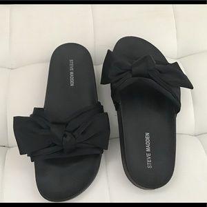 Steve Madden black sandal with silk bow